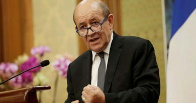 The deal is not dead. There's an American withdrawal from the deal but the deal is still there : Foreign Minister Jean-Yves Le Drian