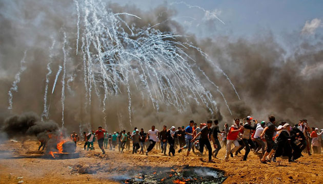 More than 58 Palestinians have been killed and 2700 wounded in Gaza by Israeli live fire centering the opening of the US embassy in Jerusalem - Copy