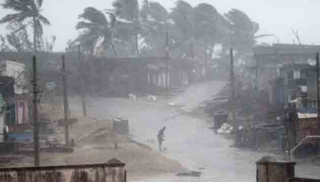 Cyclone Gaja: At least 13 killed and more 80,000 people forced from their homes as tropical system hits Tamil Nadu.