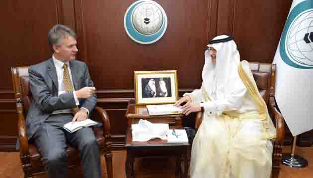 OIC Secretary General Receives UK Special Envoy for the Horn of Africa and the Red Sea