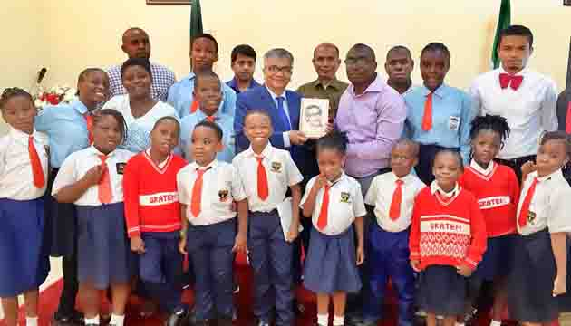 Bangladesh High Commissioner in Nigeria shares the success stories of Bangladesh with the visiting Nigerian Students